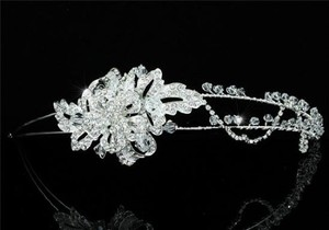 Stylish Swarovski Crystal Floral Side Accented Wedding Bridal Tiara Headband