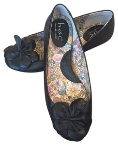 B.O.C. Ballet Floral Leather Black Flats