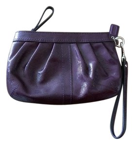Coach Wristlet in Dark purple