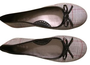 Michelle D Gray Plaid Flats