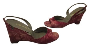 Prada Open Toe Slingback $25 OFF Fuchsia and white suede all leather Italian E41 Wedges