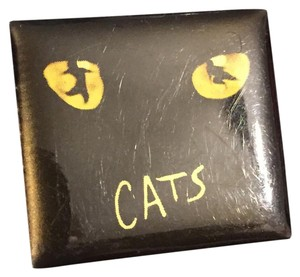 RUG ltd CATS THE MUSICAL vintage Collectible Brooch Pin Souvenir