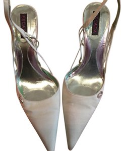 Escada pastel green Pumps