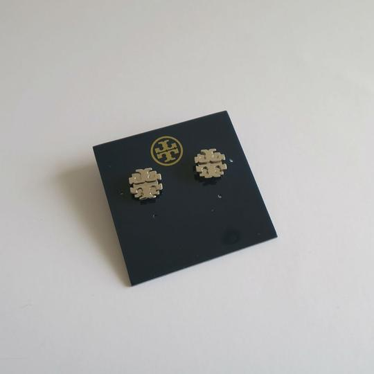 Tory Burch New Large T Logo Stud Earrings in Sliver