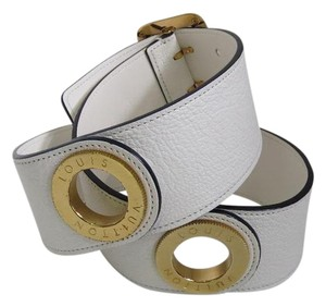 Louis Vuitton White Textured Leather Belt Gold Hardware ring circle waist