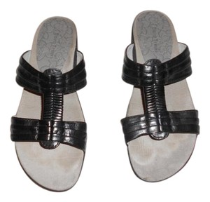 Bare Traps Leather Wedge Black Sandals