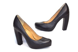Seychelles Banana Heel Black Pumps