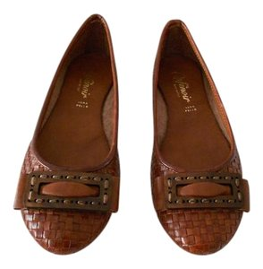 Sophisticated Design Cuoio Flats