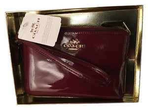 Coach COACH Burgundy Smooth Patent Leather Wristlet Gift F55739 NW