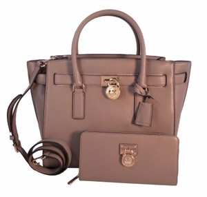 Michael Kors Hamilton Traveler Wallet Satchel in Dark Taupe