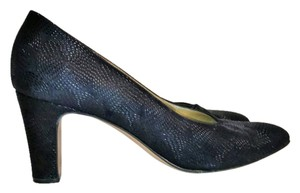 Bruno Magli Leather Textured blue Pumps