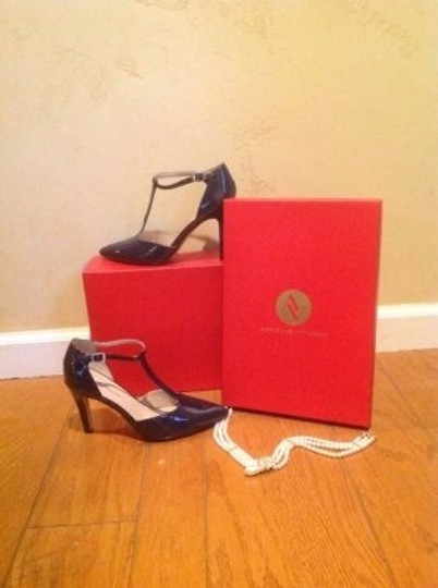 Adrienne Vittadini Navy Blue Pumps