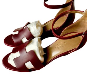 Hermès Bordeaux Wedges