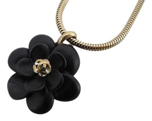 Chanel Gold Camellia Necklace 211200