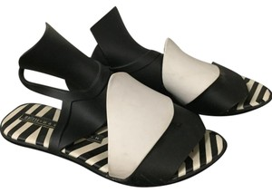 Melissa Black and white Sandals