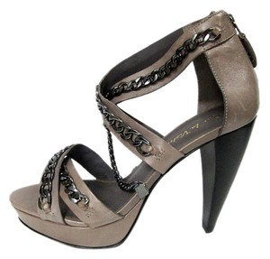 Pour La Victoire Chain High Heels Paley Heels Leather Back Zip Heels Gray Sandals