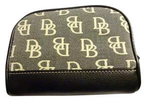Dooney & Bourke Chunky Black/White Cotton Canvas Signature Cosmetic Case