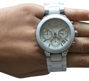 DKNY Chambers Whie Ceramic Chonograph Watch (Style # 5915000014)