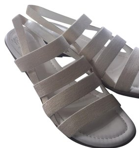 Mootsies Tootsies Creamy white Sandals