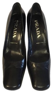 Prada Size 6 Made In Italy Black Pumps