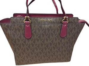 Michael Kors Deedee Deedee Md Deedee Dee Dee Tote in Brown and Plum