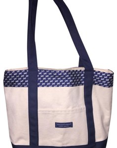 Vineyard Vines Ivory And Navy Travel Bag