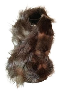 Joan Rivers Joan Rivers faux fur collar