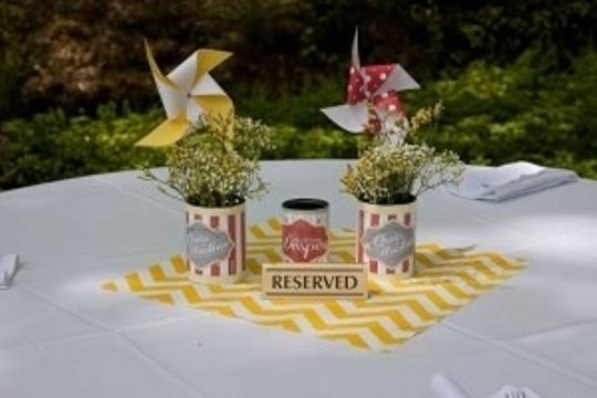 Preload https://img-static.tradesy.com/item/201833/yellow-white-chevron-and-tablecloth-0-0-540-540.jpg