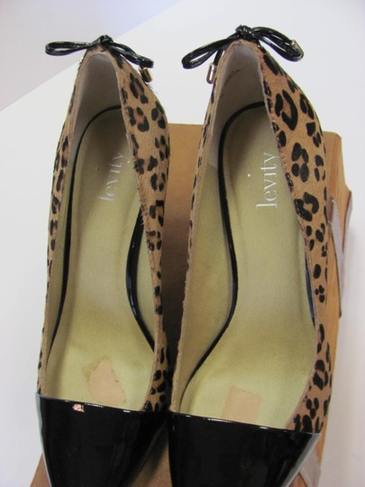 Other Size 6.00 M Patent Animal Print Very Good Condition Black, Neutral Pumps Image 5