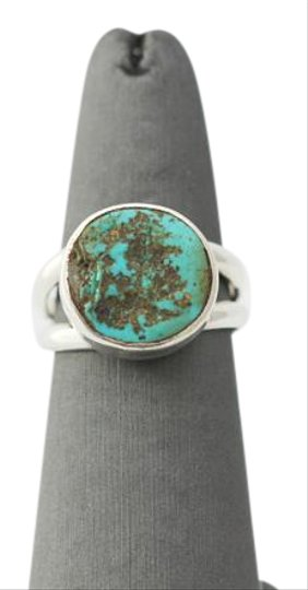 Preload https://img-static.tradesy.com/item/20184352/sterling-silver-turquoise-ring-0-1-540-540.jpg