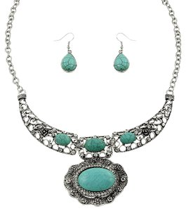 Other Turquoise With Rhinestone Crystal Accent Necklace and Earrings