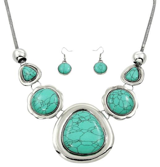 Preload https://img-static.tradesy.com/item/20185837/silver-turquoise-pendant-and-earring-set-necklace-0-1-540-540.jpg