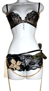 Agatha Burlesque Resurrecton Lingerie Panties Bra Top Black Lace Hogh End Boottoms& Gold Sequin BraTop