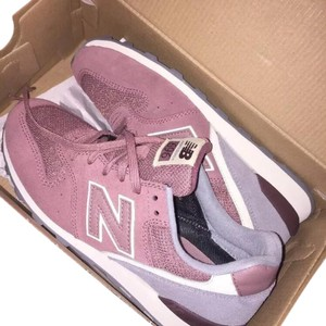 New Balance Pink and Gray Athletic