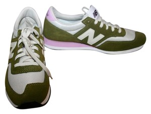 New Balance Olive Pink Athletic