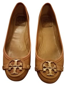 Tory Burch Patent Leather Gold Hardware Classic Tan Flats