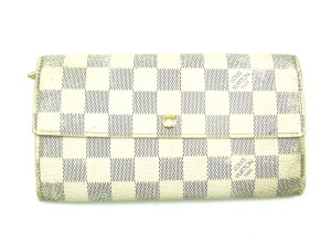 Louis Vuitton Sarah Wallet White Clutch