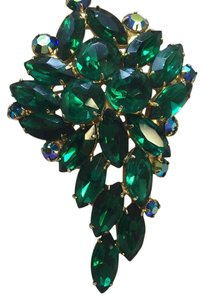 Emerald Green Emerald Green Brooch