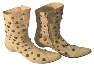 Parisi & Nadalini Beige tone with gold studs Boots