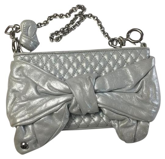 Preload https://img-static.tradesy.com/item/20187271/juicy-couture-silver-leather-shoulder-bag-0-2-540-540.jpg