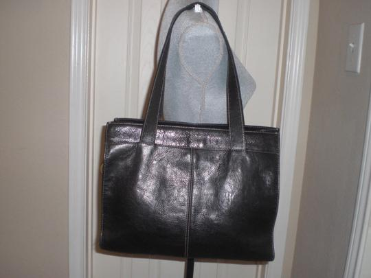 Fossil Tote in black Image 1