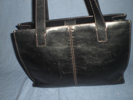 Fossil Tote in black Image 4
