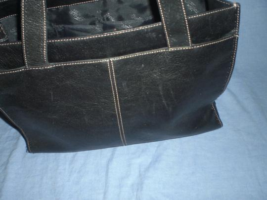 Fossil Tote in black Image 8