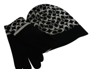 Coach Signature Print hat and gloves Gift Set
