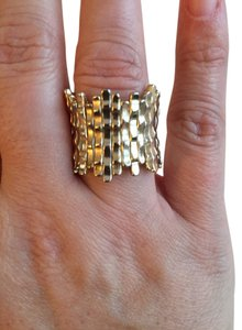 Ann Taylor LOFT Loft Gold stretchy ring