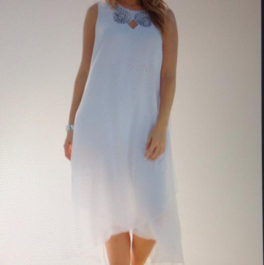 White Chiffon Perfect For Beach Never Been Worn Still with Tags. Destination Wedding Dress Size 12 (L) Image 1