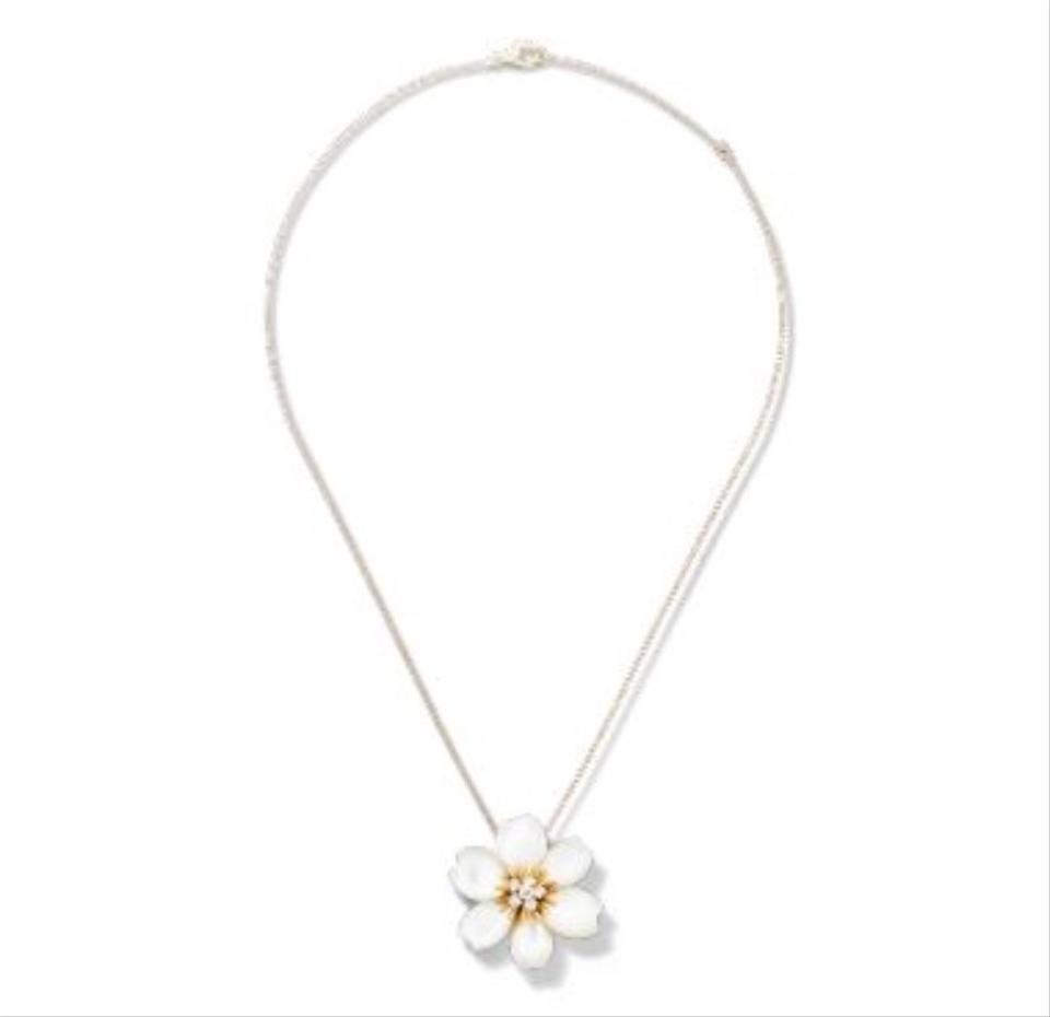 van cleef arpels white rose de noel clip pendant small. Black Bedroom Furniture Sets. Home Design Ideas
