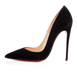 Christian Louboutin Suede black Pumps