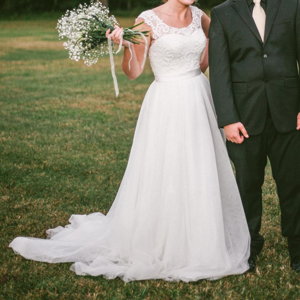 Illusion Neckline Wedding Gown: David's Bridal Ivory Tulle Lace With Illusion Neckline