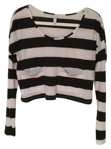 RVCA Hipster Midriff Pockets Long Sleeve Soft Crop Crop Long Sleeve T Shirt black and white striped